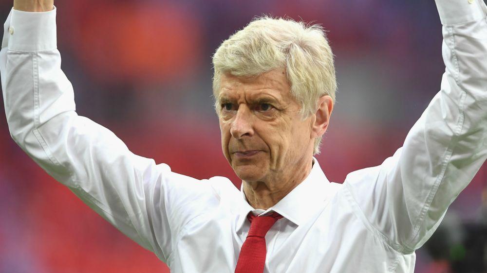 """Arsenal, Dangote tratta l'acquisto del club e annuncia: """"Caccerei subito Wenger"""""""