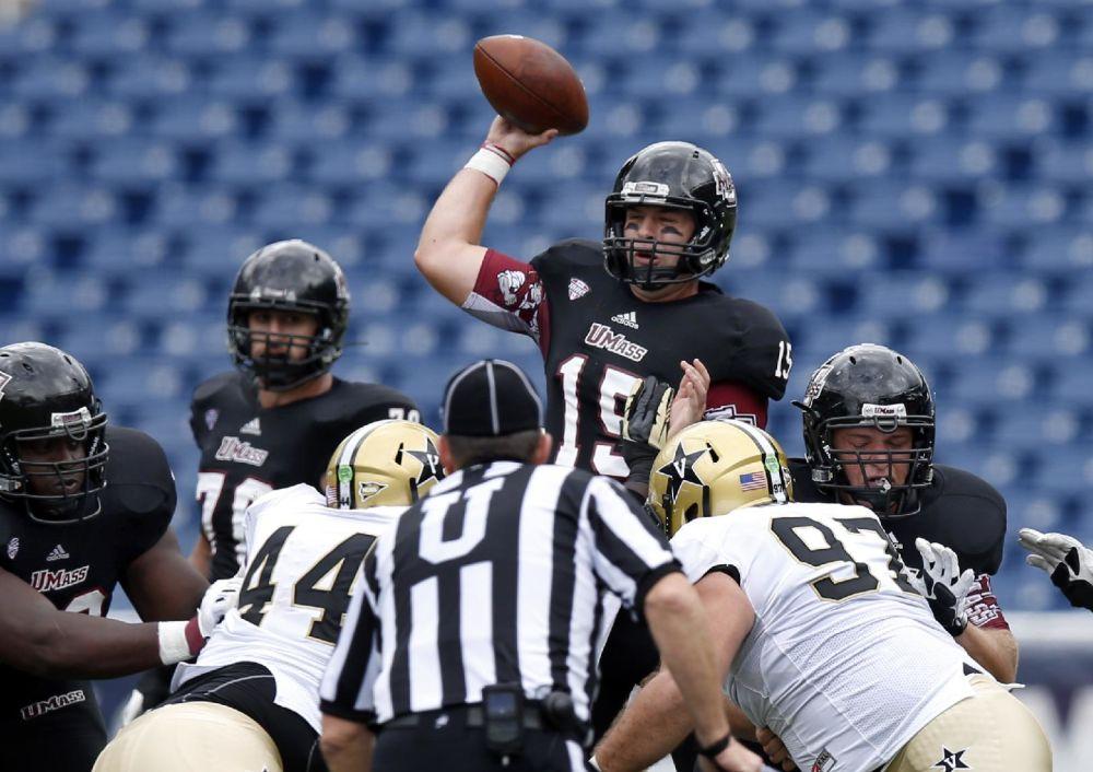 Carta-Samuels leads Vanderbilt past UMass 24-7
