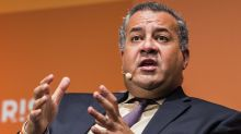 Cloudera plunges on weak guidance, CEO departure