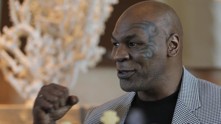 Tyson's exhibition bout with Jones Jr. postponed