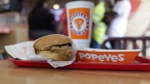 Popeyes' new fried chicken sandwich has created a frenzy in its stores: new data