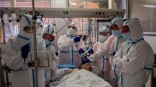 """Por qué algunos científicos hablan ahora del coronavirus como una """"sindemia"""""""