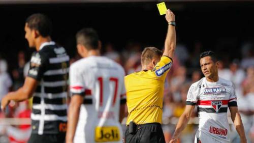 Ceni diz que árbitro foi infeliz e usa clássicos para analisar São Paulo