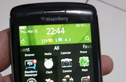 BlackBerry Touch / Monaco gets manhandled, said to get official in May