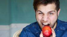 Sudoración sexual: la razón por la que te conviene comer más fruta