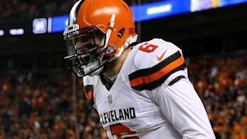 Browns win to keep playoff dreams alive