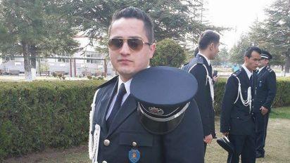 'Hero' cop saves lives after 'bear hugging' bomber