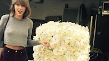 Taylor Swift loves sending flowers to people