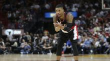 Damian Lillard explodes for 49 as Blazers keep up playoff push