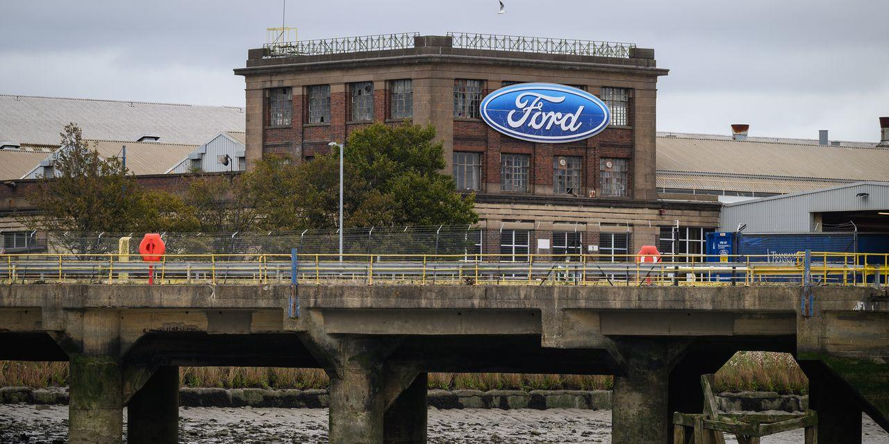 Ford Earnings Beat Estimates. Shares Are Soaring Because the Dividend Is Back.