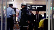 Mit Skelett von Ehemann im Gepäck am Flughafen gestoppt