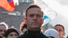 Crítico del Kremlin Navalny dice autoridad penitenciaria pidió encarcelarlo