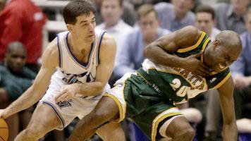 Stockton vs. 'The Glove': Who was better?