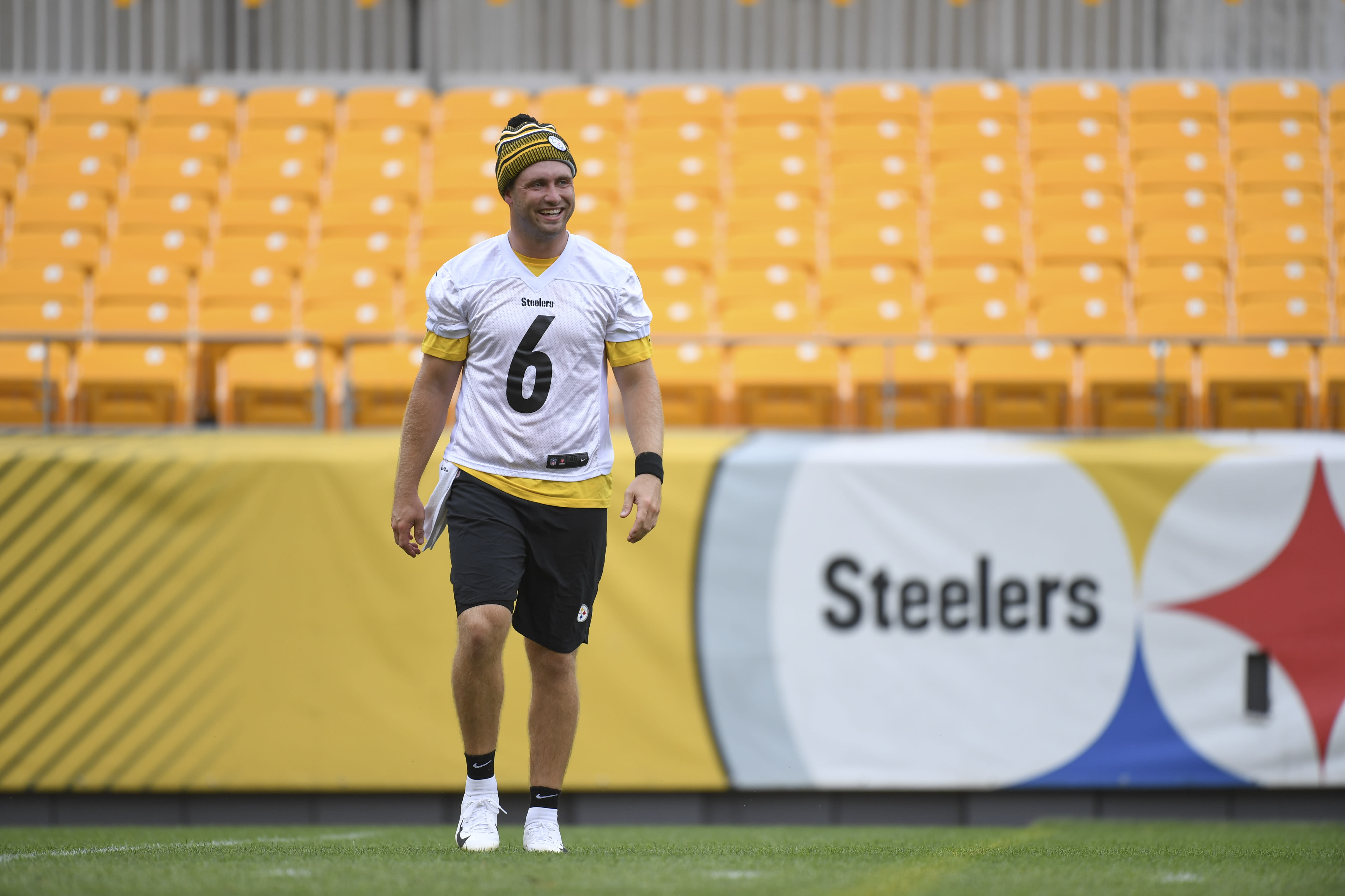 3 players shockingly on Steelers roster bubble entering training camp