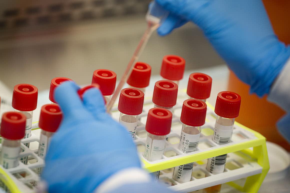 America's daily virus death toll passes 1,000 again
