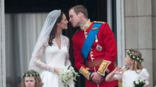 "Royal wedding dress, una stilista britannica accusa: ""Alexander McQueen ha copiato i miei schizzi per l'abito di Kate"""