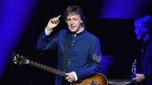 Paul McCartney conta que se masturbou na frente de John Lennon: 'Era uma diversão inocente'