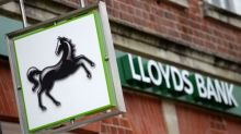Lloyds apologises after customers hit by online banking glitch
