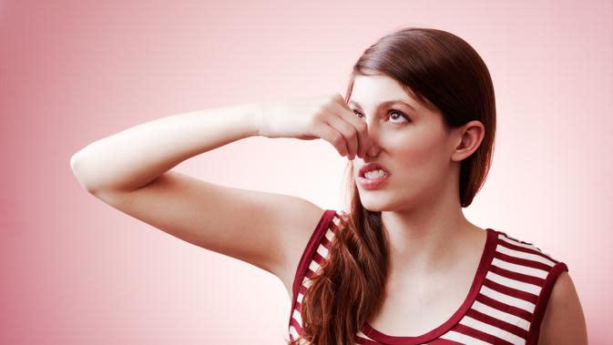 7 Penyakit Penyebab Kentut Bau Busuk, Kanker Usus Besar ...