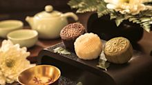 Savour the company of your loved ones with the perfect mooncake and tea pairing