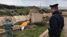 Crolla un ponte mentre passa un camion: tragedia sfiorata in Sardegna