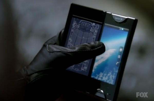 Screen Grabs: Kyocera Echo goes back to the alternate-reality future in Fringe