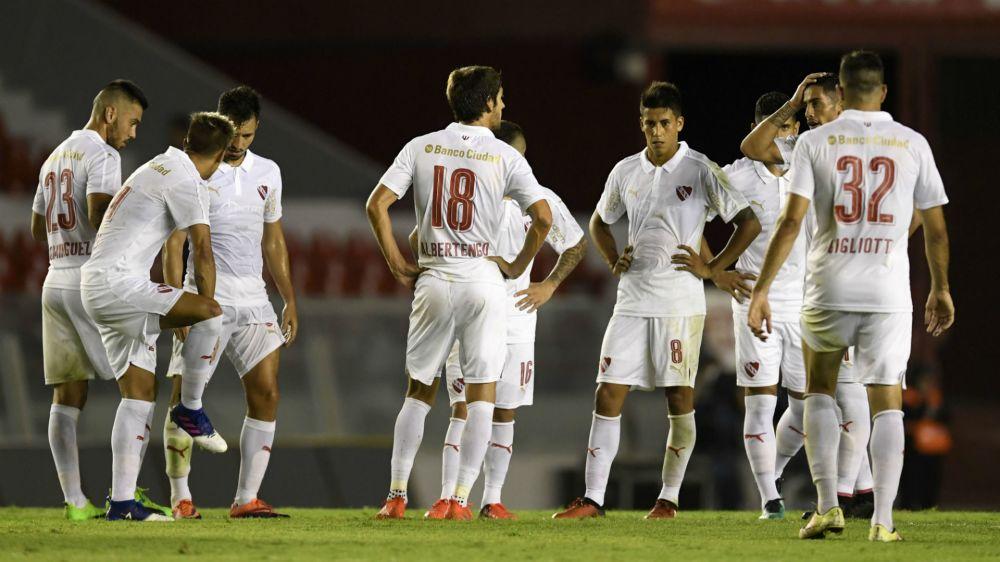 Vélez sacó un empate ante Independiente en Avellaneda