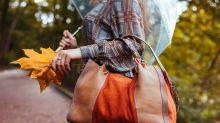 Tenemos que dejar de usar bolsos grandes y no es solo por una cuestión de moda
