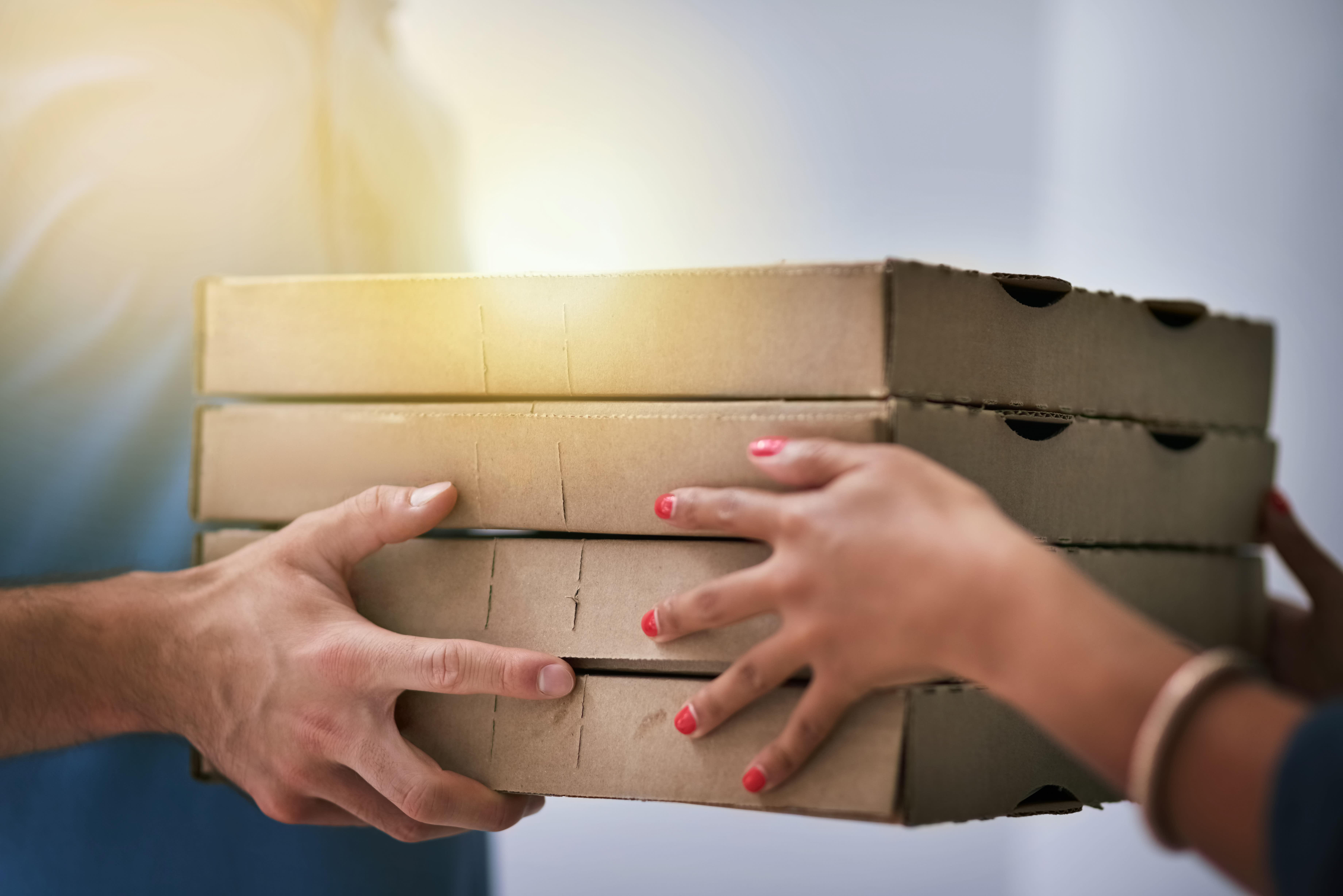 12.000 Dollar Trinkgeld für 89-jährigen Pizzalieferanten