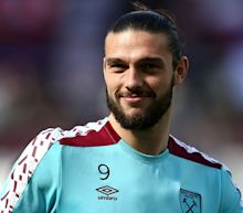 Carroll poised for West Ham return at Newcastle