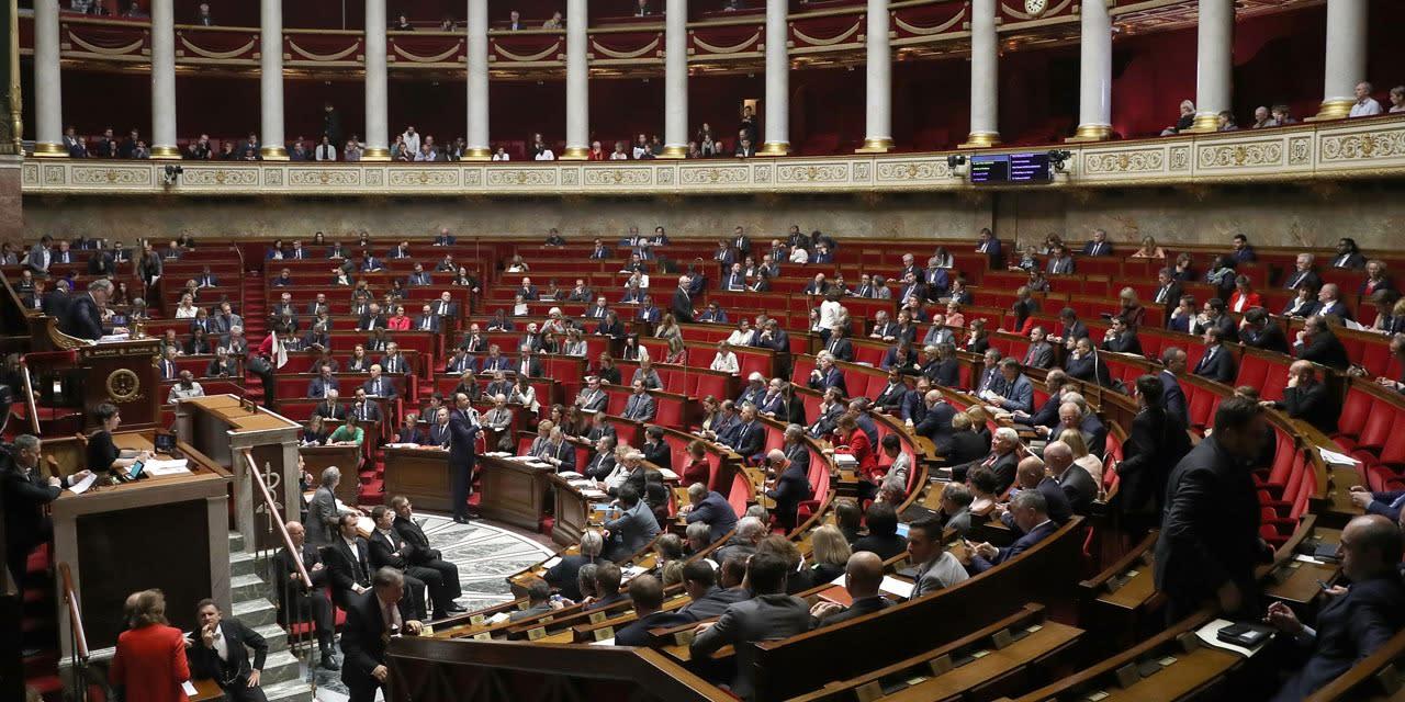 """L'Assemblée donne un premier feu vert au texte controversé sur la """"sécurité globale"""""""