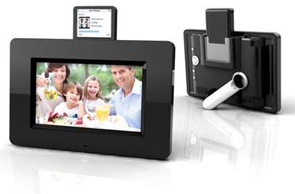Mustek's PF-i700 digiframe rocks an iPod dock