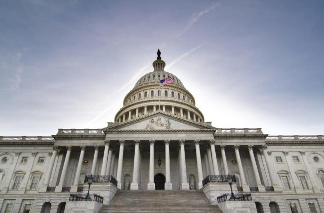 Bipartisan bill calls for study on economic impact of broadband access