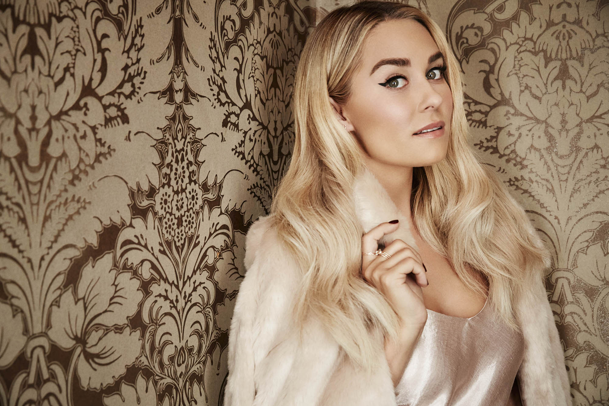 062b0e29c6 Lauren Conrad plus-size clothing blogger Loey Lane