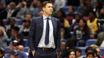 Reporter sues Luke Walton for sexual assault