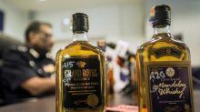 Aumentan a 29 los muertos por intoxicación con alcohol adulterado en Malasia