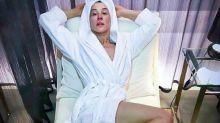 """Claudia Raia convoca seguidores para falar de sexo e é elogiada: """"Não envelhece nunca"""""""
