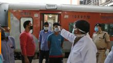 India's prime minister orders 21-day lockdown to curb coronavirus