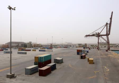 A view of the Red Sea port of Hodeidah, Yemen June 24, 2018. REUTERS/Abduljabbar Zeyad