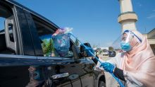 Mississauga mosque celebrates socially distant Eid with drive-thru gift handouts