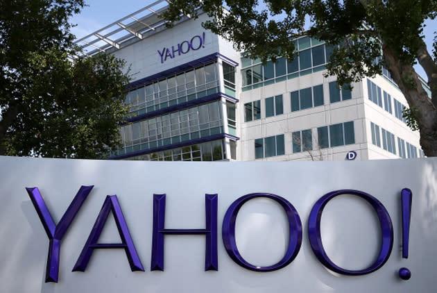Yahoo wants to poach YouTube's biggest 'stars'