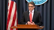 Texas Governor Perry vows to fight indictment