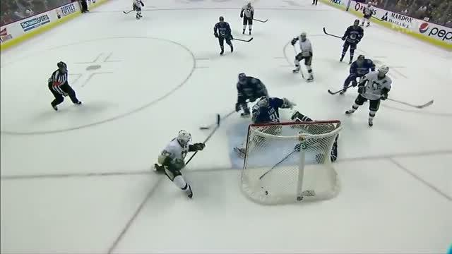 Crosby scores with an empty net to tie it