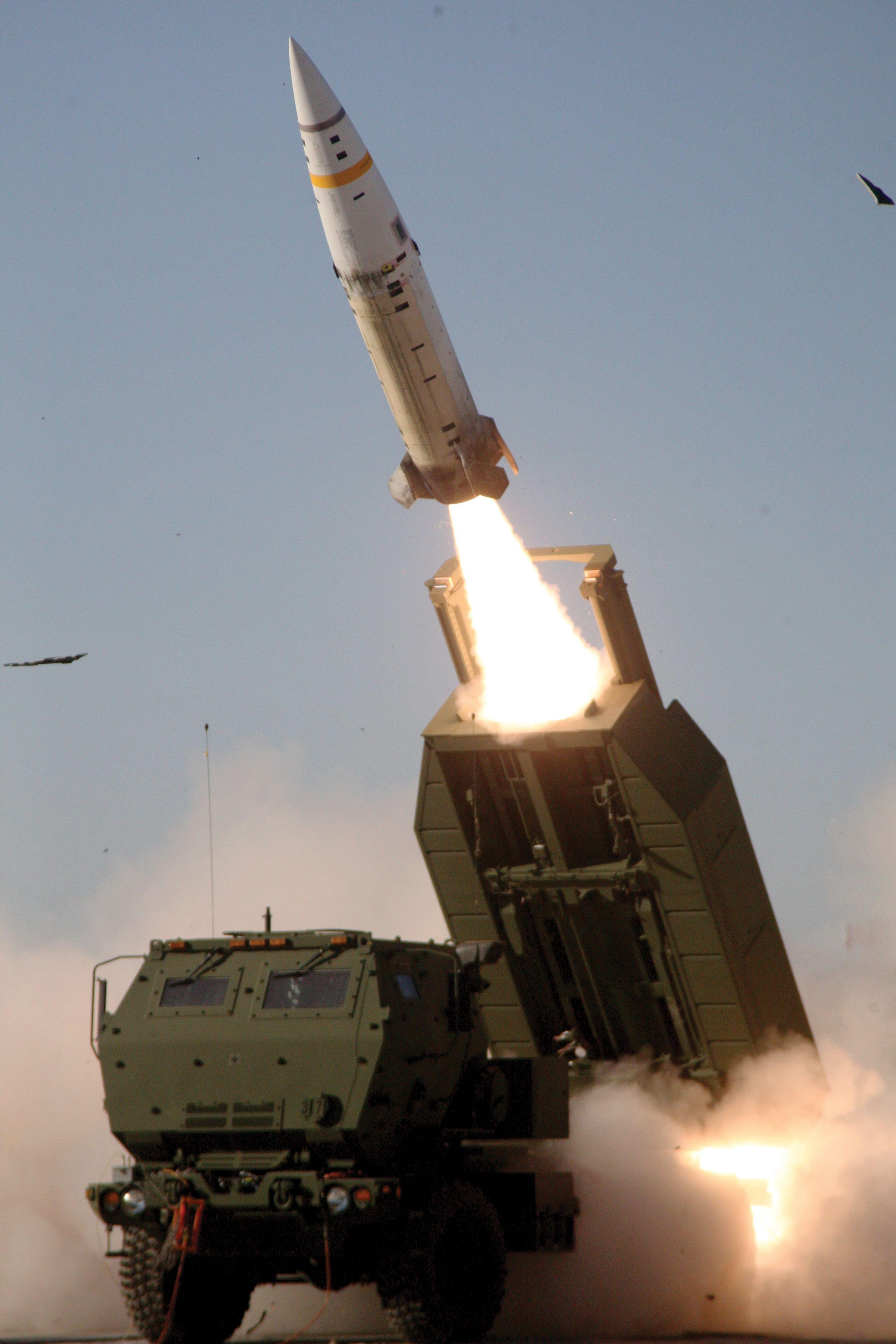 US Army pursues new mid-range missile, as tactical missile upgrade hits delay