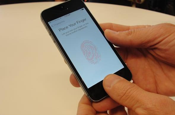 Court rules: Touch ID is not protected by the Fifth Amendment but Passcodes are
