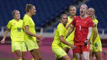 Sweden's women win 2nd straight, down Australia 4-2