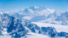 Pertama Kalinya Virus Covid-19 Terdeteksi di Gunung Everest