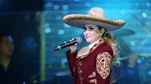 Alicia Villarreal de luto por la muerte de su suegro, a causa de COVID-19