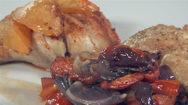 How to Cook Poultry with Roasted Onions, Carrots and Tomatoes.