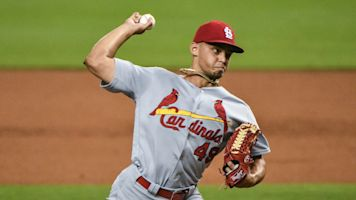 Cardinals closer Hicks has a torn UCL